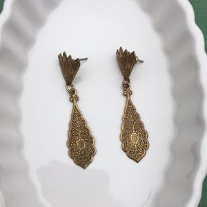 VINTAGE- gold dangling earrings